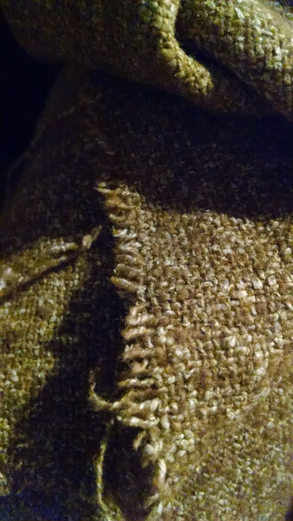 brown-tweed-frayed-edges