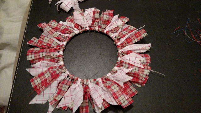 tias finished mini wreath.jpg